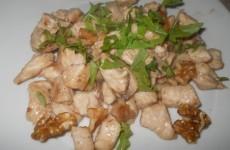pollo-noci